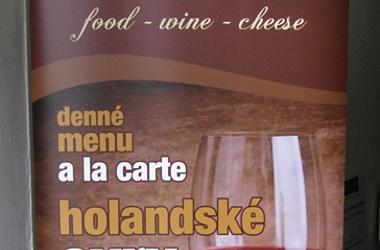 rollup - jedlo víno syry